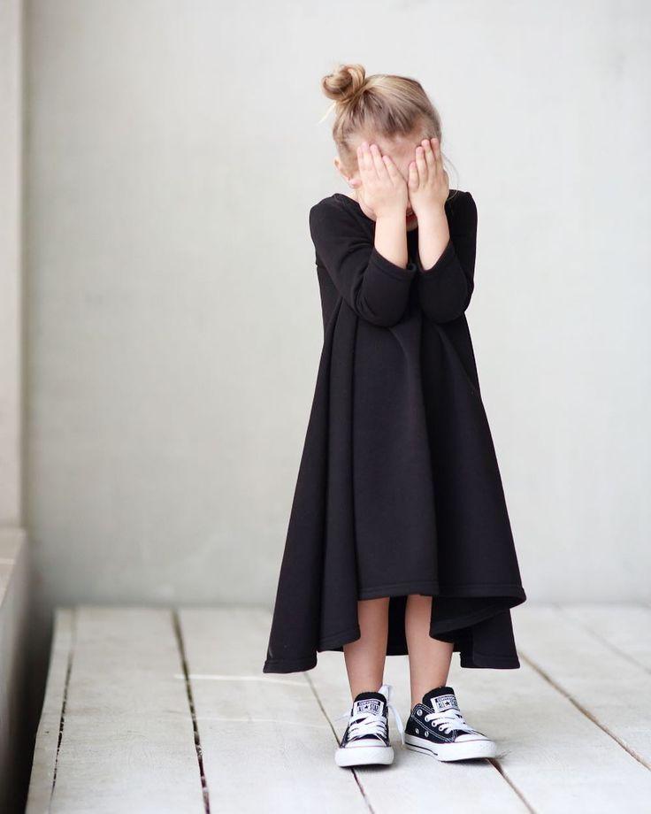 Без базового платья -никуда 😉👆🏻.#miko_D0005 - отличный вариант на каждый день ☺️👌🏻🐼. • Состав: 100% хлопок (футер ,петля) • Цвет: черный( нет,не мрачный ,а оч стильный 👌🏻) • Размеры в наличии : 92,98,104,110. • Цена: 2800. • Все вопросы и оформление заказа в W/A 📲: +79126365902. #miko_kids #conceptkidswear #forkids #withlove #❤️ #loveblack