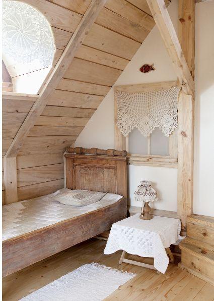 Lágy színek, letisztult formák, egyszerűség jellemzi ezt a lengyel faházat, mely kibérelhető. Környezetében csend és nyugalom honol, erd...
