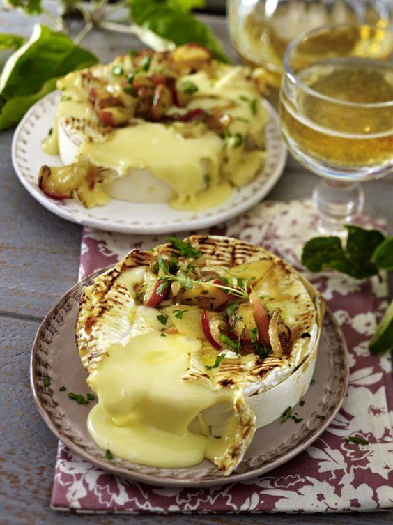 Ofencamembert mit Honig-Zwiebel-Äpfeln und mehr als 55.000 weitere kostenlose Rezepte auf LECKER.de.