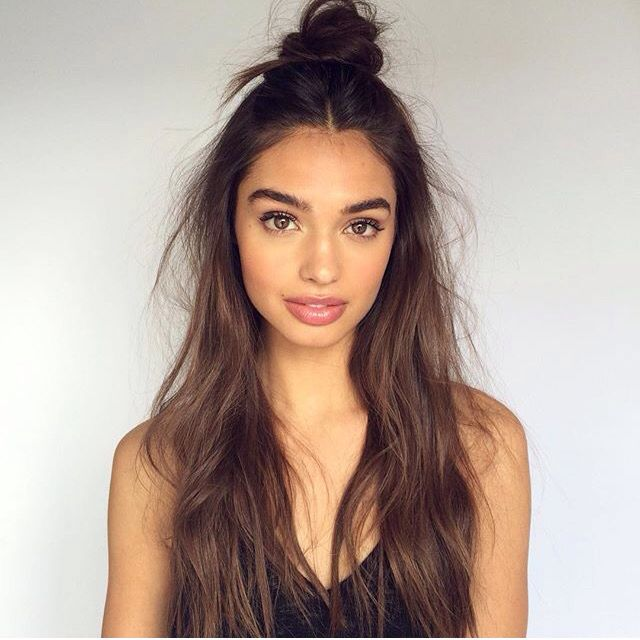 Cool 1000 Ideas About Middle Part Hairstyles On Pinterest Middle Short Hairstyles Gunalazisus