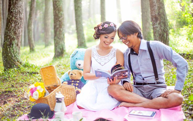 Picnic theme photo couple or prewedding