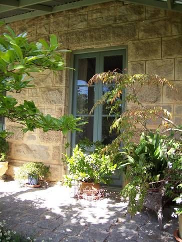 Lilac Cottage, a Beechworth Cottage/ House   Stayz