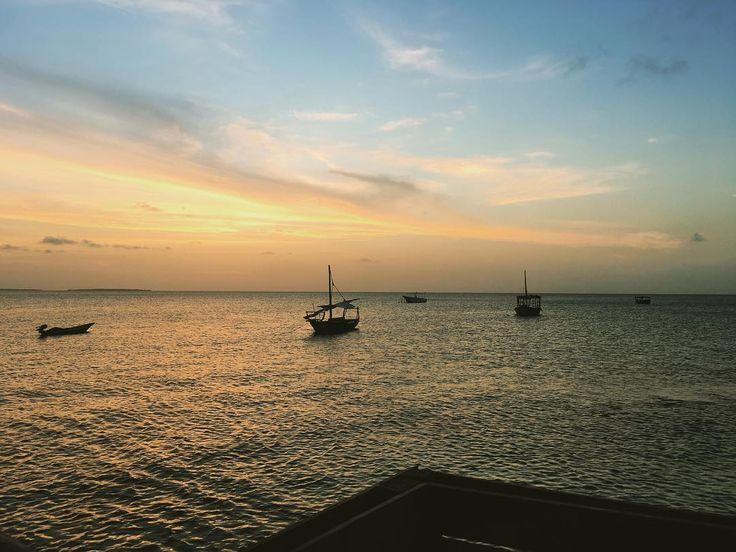 #добрыйвечер  #солнцесадится #наступаетночь #закат #налодке #вдвоем #слюбимой #путешествие #подарок  #отдых  #корабль #индийский #океан  #остров #Занзибар #Африка  #Танзания ##Tanzania  #Zanzibar #island #Africa  #2016 #anniversary #adventure #sunset #Indian #ocean #good-evening