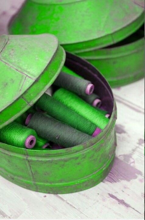 Green tin with green bobbins