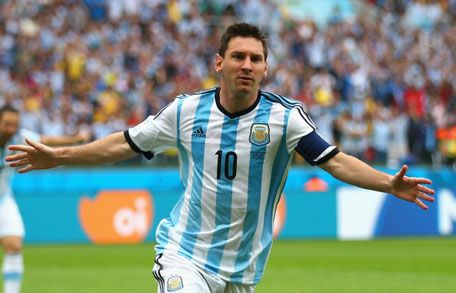 Chile must focus on Argentina, not Messi: Chile Goalkeeper Claudio Bravo - Webtusk