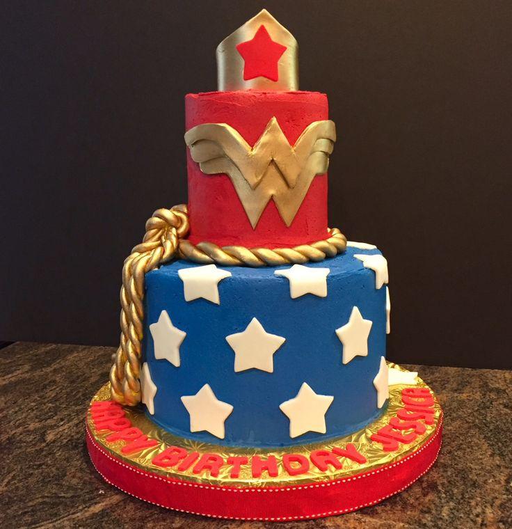 Best 25+ Wonder Woman Cake Ideas On Pinterest