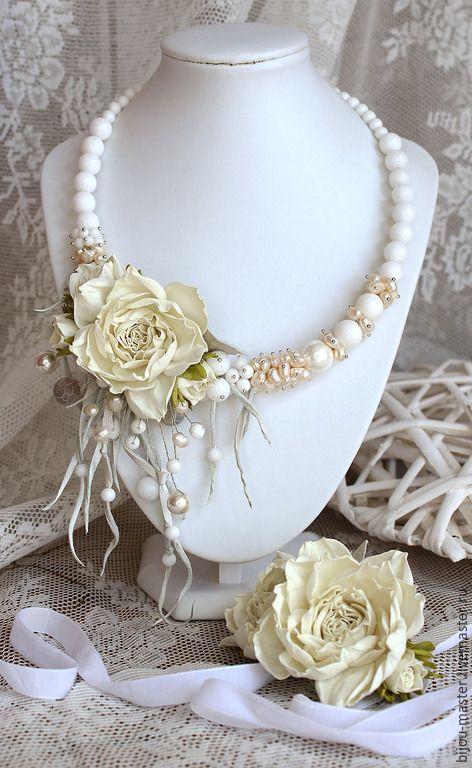 Купить комплект свадебный СЛИВКИ - колье цветочное, колье с цветами, колье с камнями