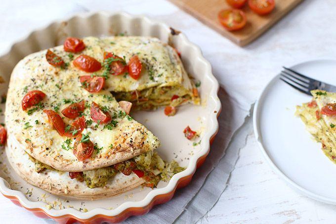 Op zoek naar een lekker recept met wraps? Maak dan eens deze wraptaart met kip, pesto en paprika. Super lekker, simpel om te maken en redelijk snel klaar.