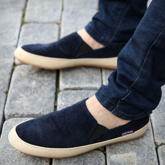 Los hombres Zapatos de La Venta Caliente 2017 Nuevas Llegadas Hombre Pisos resbalón de Los Zapatos de Lona Ocasionales de Los Hombres Cómodos Zapatos Mocasines de Verano