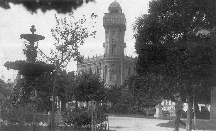 Vista Plaza de la Victoria de Valparaiso en el año 1921.