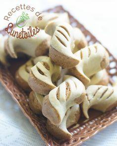 ghribia constantinoise, gâteaux farcis au cacahuètes grillées