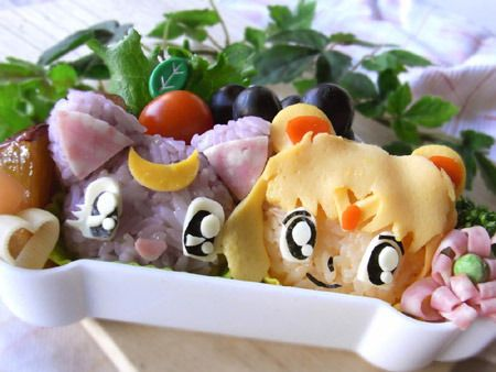 Sailor Moon and Luna rice balls! How perfect is that?!