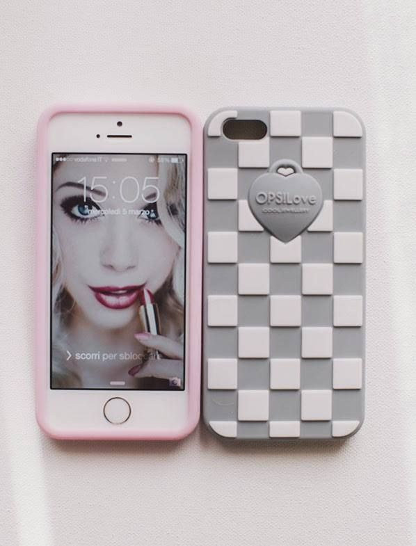 Phone cover OPS!LOVE 15euro per iphone 4/5 e samsung S3/S4 Phone cover OPS!DAMIER per iphone4/5 19euro Gioielleria Zimarino