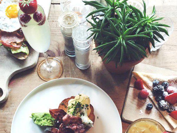 Metropolitain Amsterdam is de nieuwste all day breakfast hotspot van Amsterdam! Ontdek deze hotspot en meer in de Amsterdam City Guide >>