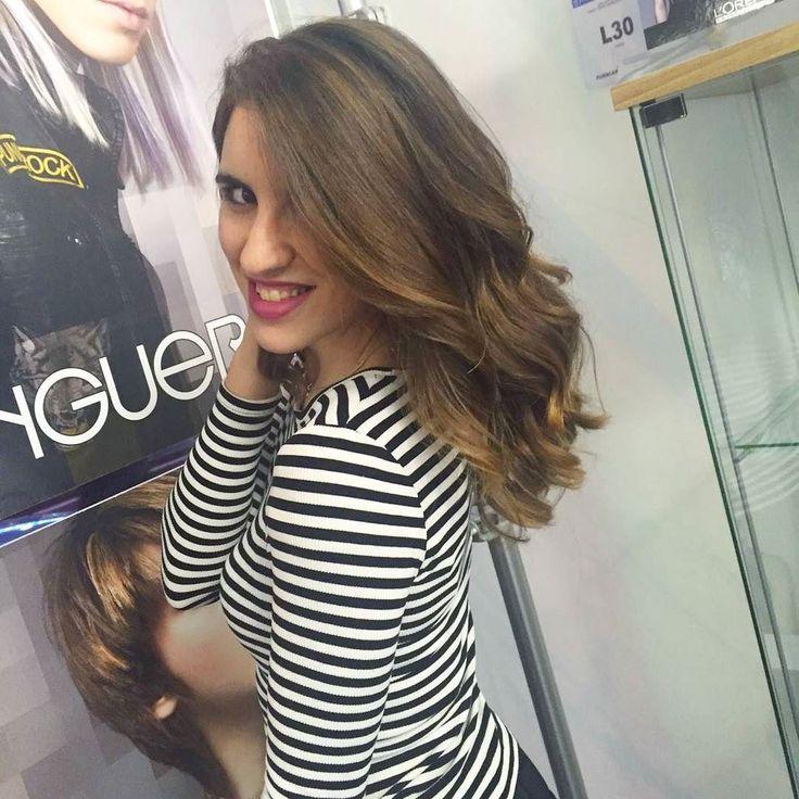 Mechas y hairstyle para @mariamoreta_official Buen comienzo de semana!!  #Llonguerasmirasierra #peluqueria #madrid #cabello #mujer #mechas #cambiodelook #hair #hairstyle #womanstyle #look #llongueras by llonguerasmiramadrid
