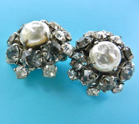 Charming 40s baroque pearl and black diamond by RAKcreations