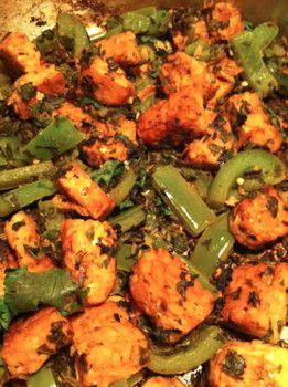 Spicy and Healthy Tempeh Fajita Recipe and more healthy fajita recipe favorites on MyNaturalFamily.com #fajita #recipe