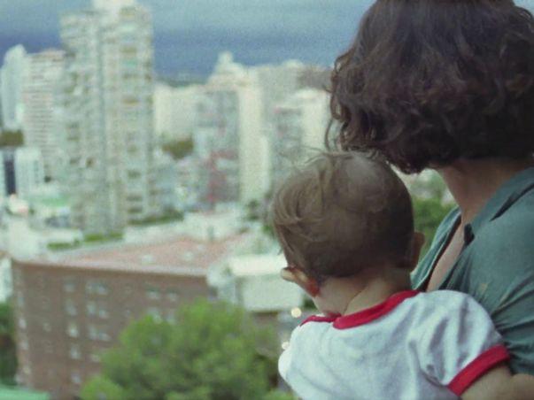 Val del Omar y los replicantes . crítica a Sueñan los androides (2014), dirigida por Ion de Sosa / ★...