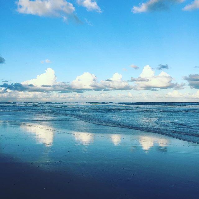 #isjon_isgood Serenity now! #beach #nature #australia #reflection #symmetry #perfect #afternoondelight #surf #memories
