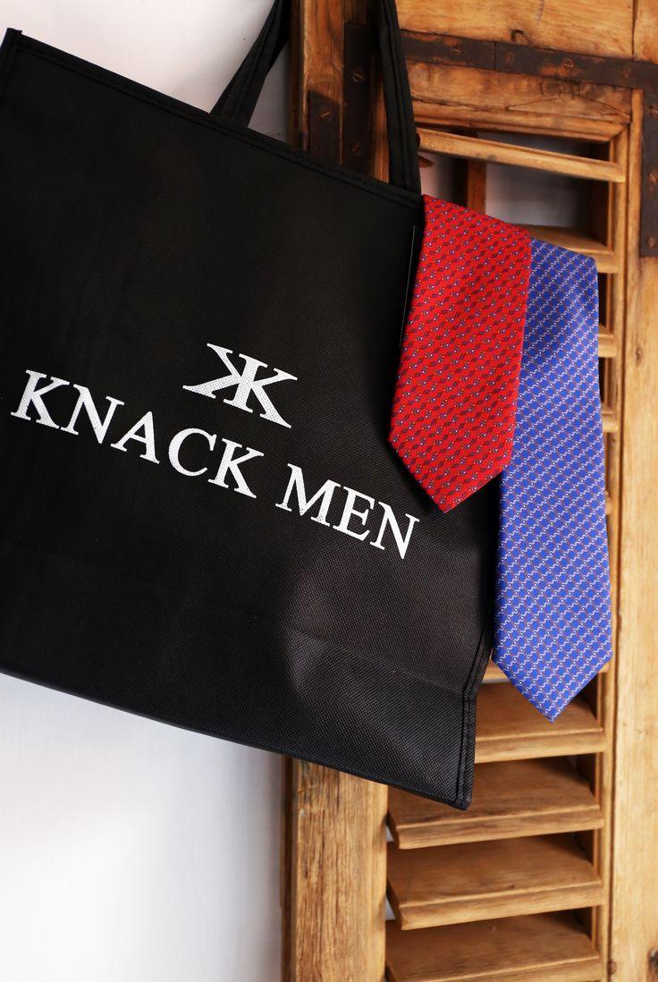 Corbatas seda dibujo eslabón #roja #azul #eslabón #corbata #hombre #moda #looks