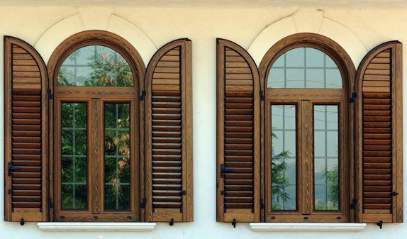 Class serramenti infissi legno alluminio pvc portoncini - Finestre per scale ...
