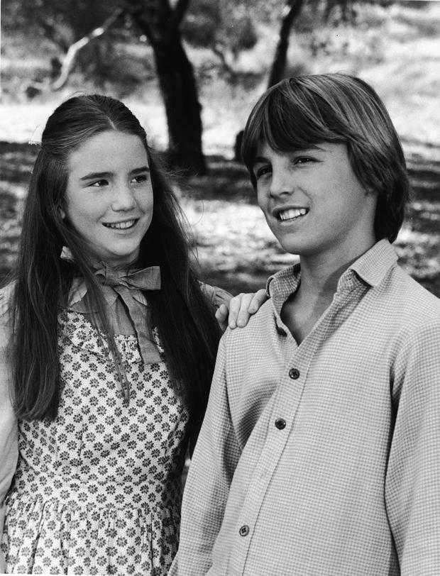 Melissa Gilbert 1977....Melissa Gilbert (50) spielte die mittlere Tochter Laura Ingalls. Für die Rolle der Laura, wurde sie für eine Golden Globe und einen Emmy nominiert. Den Young Artist Award hat sie zwei Mal gewonnen.
