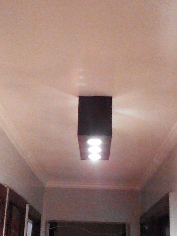 Lámpara para techo hecho con pallets