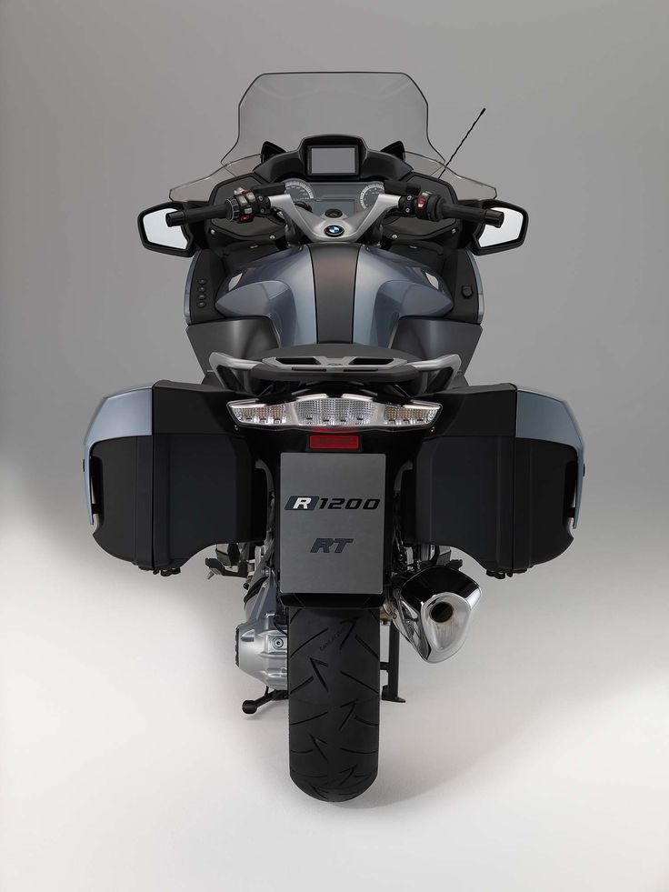 2014-BMW-R1200RT-studio-32.jpg 1,500×2,000 pixels