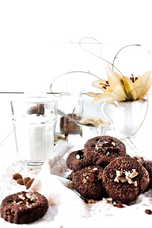 chocolat and almond cookies
