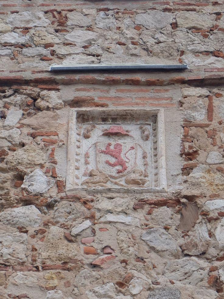 Escudo del Cardenal Tenorio