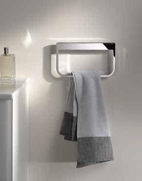 Van de handdoekring en -haak tot één- en twee-armige handdoekhouders bieden de accessoires uit de COLLECTION MOLL een ruime keuze om de badkamer aantrekkelijk in te richten.