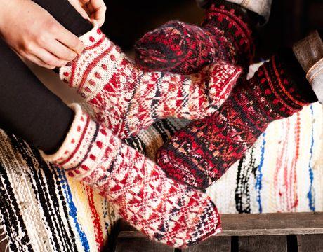 Kirjoneulesukat miehelle tai naiselle – Kotiliesi.fi - Beautifil knit socks