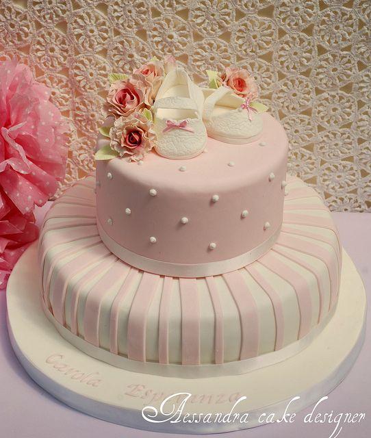 cake battesimo  by Alessandra Cake Designer.  Tutti gli strumenti e i suggerimenti per realizzarla su www.decorazionidolci.it
