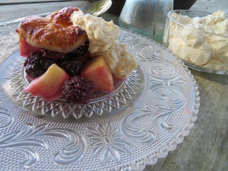 Florida Blackberry and Apple Pie