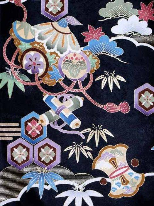 男の子用初着 お宮参り 赤ちゃんの着物 正絹 産着 販売 通販。お宮参り着物 正絹 男の子のお祝い着(初着・産着) 日本製「黒地、鷹と宝」HBU805
