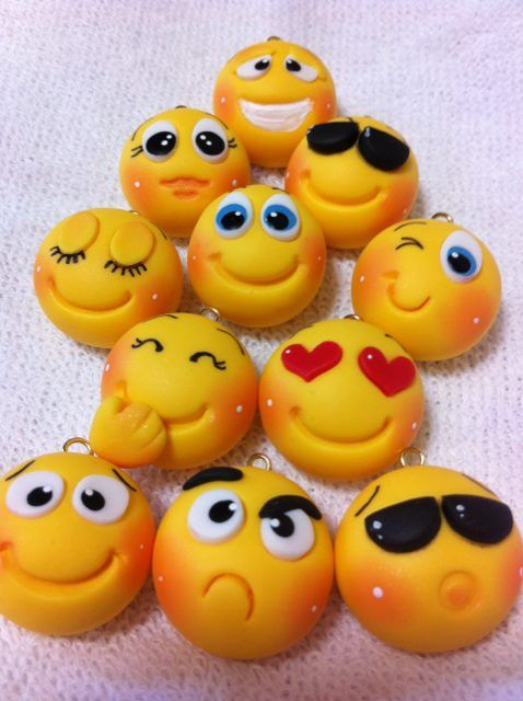 Des smileys à fabriquer en activité avec de la pâte polymère