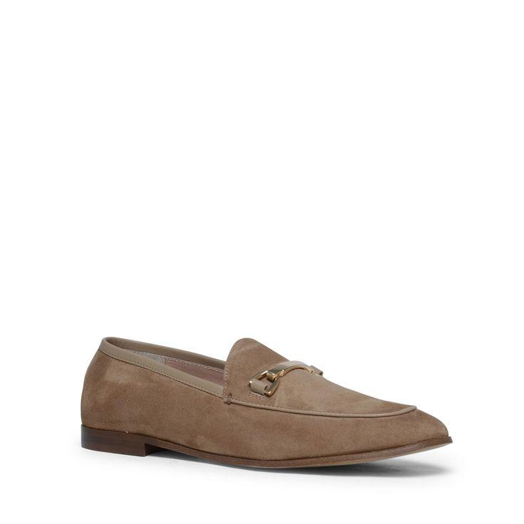 Taupe bit loafers  Description: Loafers zijn onmisbaar in uw schoenencollectie! Deze taupe loafers van het merk Manfield zijn aan de buitenzijde van suède en aan de binnenzijde van soepel leer waardoor de schoenen erg comfortabel zitten. Bijzonder aan dit model is de siergesp op de wreef. De maat valt normaal en de hakhoogte is 15 cm gemeten vanaf de hiel.  Price: 55.99  Meer informatie  #manfield