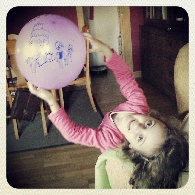 """@javierprietogallego's photo: """"Un globo. #happy #color #felicidad"""""""
