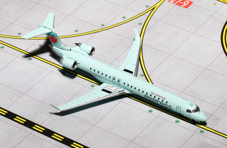 1/400 GeminiJets Air Canada Express Bombardier CRJ-900
