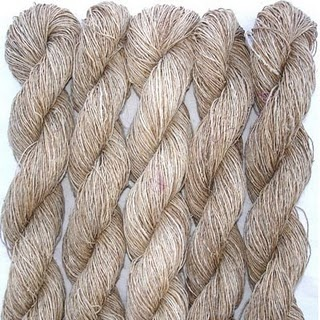 Thank you Pim Kramer for Pining this eco-friendly fibre. I am moving the pin to the board green fabrics :))  Naturel undyed yarn: nettle from nepal