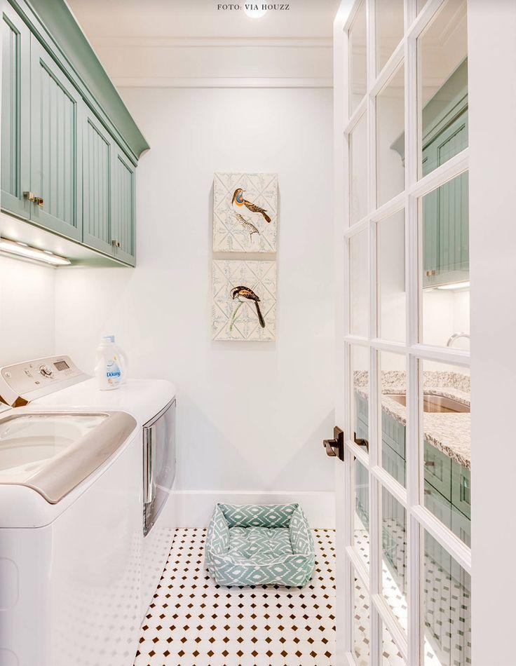 Não me lembro de ter colocado alguma lavanderia aqui no blog: um espaço geralmente esquecido na casa (a minha está levemente uma zona!) e…