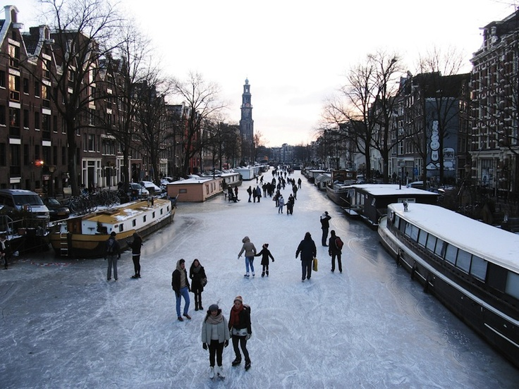 frozen Prinsengracht canal 2012