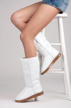 Quilted snow boots, boots winter, warmed https://cosmopolitus.eu/product-eng-71810-Quilted-snow-boots-boots-winter-warmed.html #snow #boots #forladies #fashionable #cheap #winter #warm #comfortable
