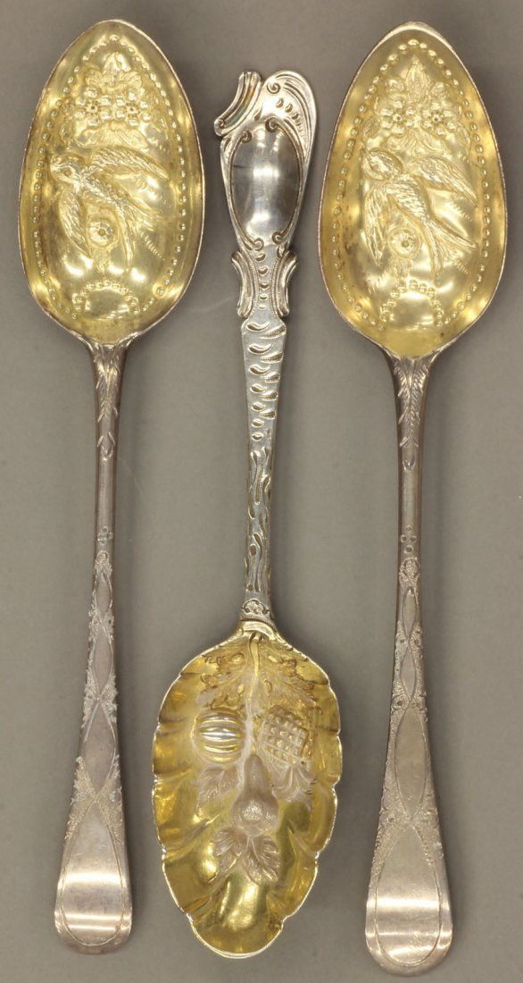(3) VICTORIAN STERLING SILVER BERRY SPOONS