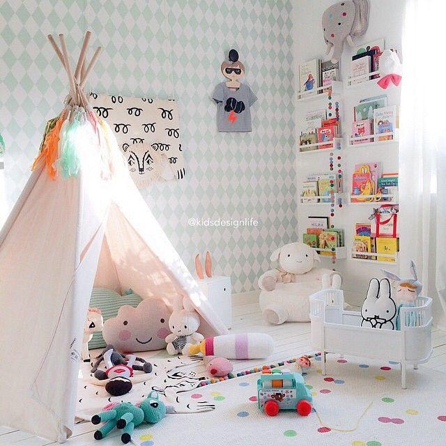 Good Night with this special nursery by @kidsdesignlife featuring our Milkaholic Jumbo milkbottle pillow  Now have your milk and go to bed! #leggybuddy #barnrumsinspo #barnerom #kidsroom #kidsdecor #kidsinspo #ladedahkids #leggybuddy #miffy #ikea #glamfete #readingnook #miniroomse #lillekanin #rmums #decorforkids #kinderzimmer #kidsroom #kidsdecor #kidsinspo #crochet #handmade #milk #nursery