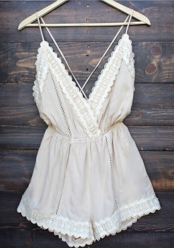 White Patchwork Lace Tie Back Backless Short Jumpsuit