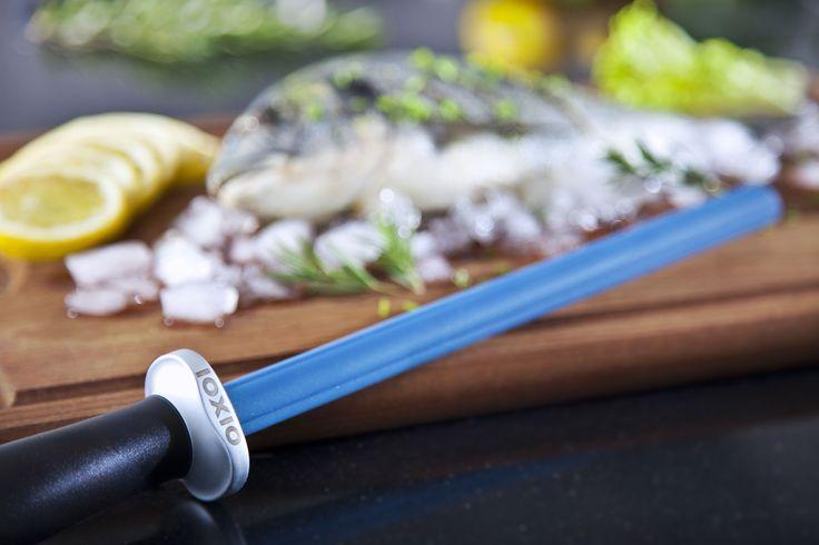 Keramik Wetzstab zum schärfen stumpfer Messer. IOXIO Ceramic knife sharpener with F360/Jis800 grit, for dull knives | Keramik Wetzstab mit F360/Jis800 Körnung, für stumpfe Messer | Afilador de cuchillos con F360/Jis800 grano, para cuchillos sin filo | Aiguiseur avec F360/Jis800 grains, pour couteaux émoussés