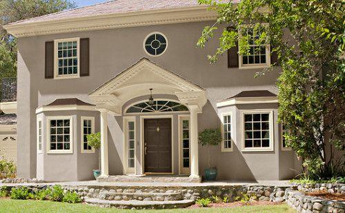 Tonos de cafe fachadas casas y puertas colores for Colores elegantes para exteriores