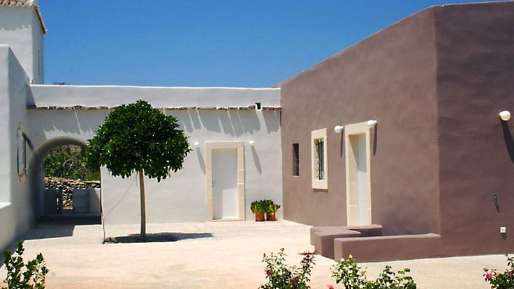 Portari Houses - Kithira island, Greece - A new country villa-guesthouse with character. Holidays in picturesque country homes and villas combining quality hotel amenities and design with personalized service