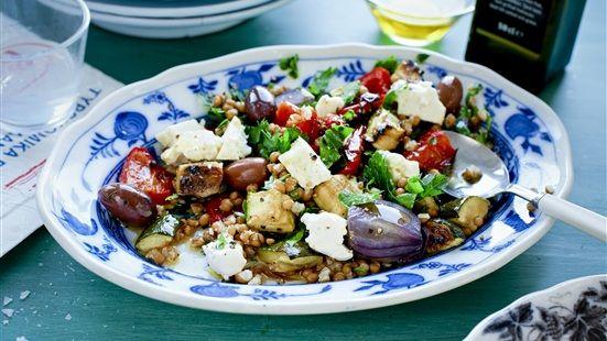 Rostade grönsaker med matvete och salladsost